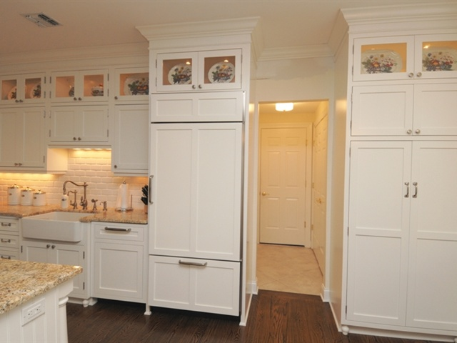 Custom kitchen cabinets bars bathroom vanities wall units long island nyc for Bathroom vanities long island